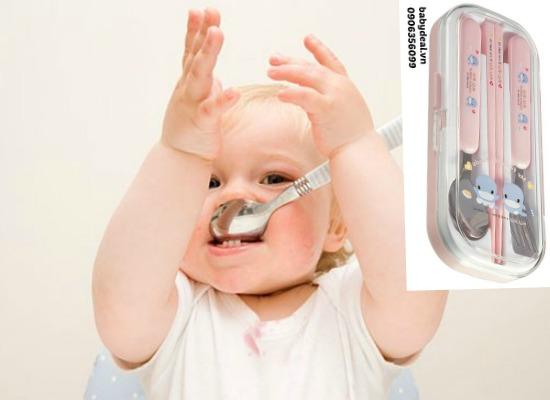 Bộ dụng cụ ăn uống KuKu Ku5323 cho bé, shop mẹ và bé, giá rẻ tại tp hcm