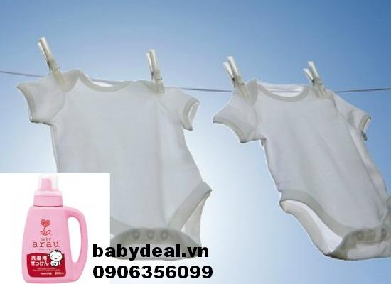 Nước giặt quần áo Arau Baby dạng bình